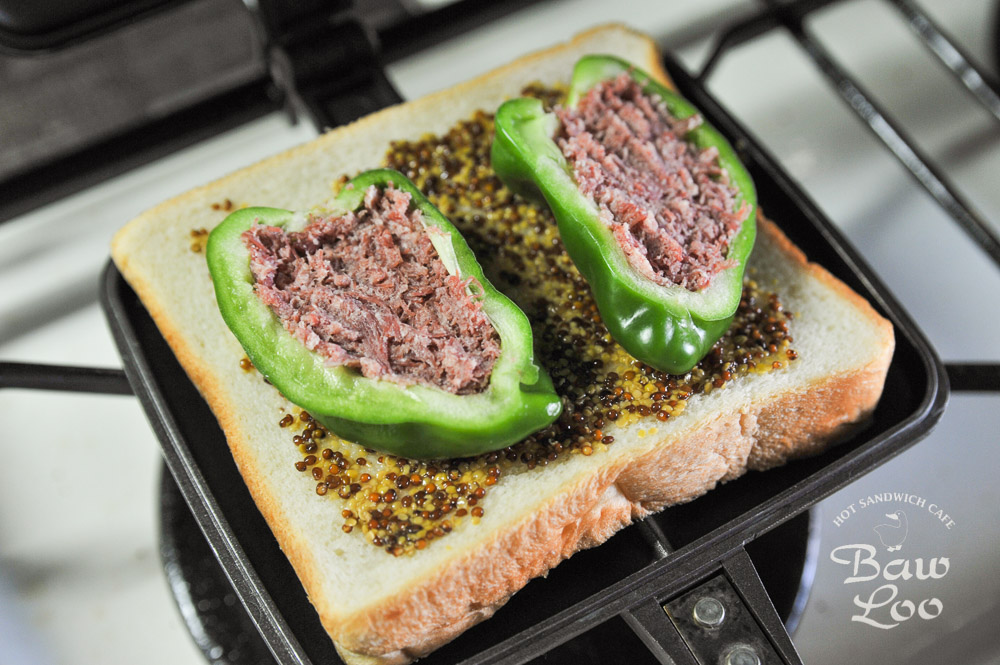 コンビーフで作る、簡単ピーマン肉詰めサンド-02